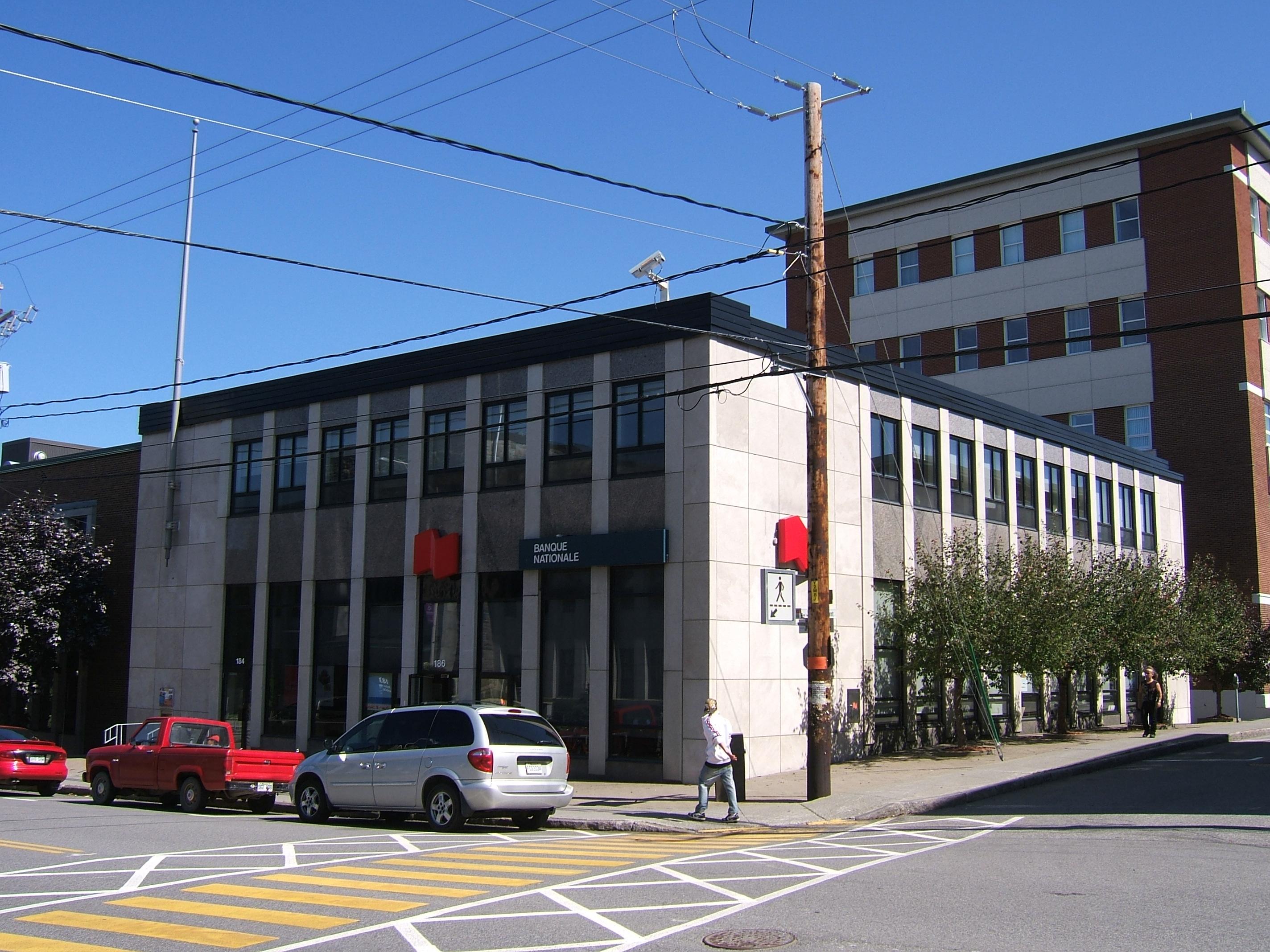 1095 - 184-186, avenue de la Cathédrale