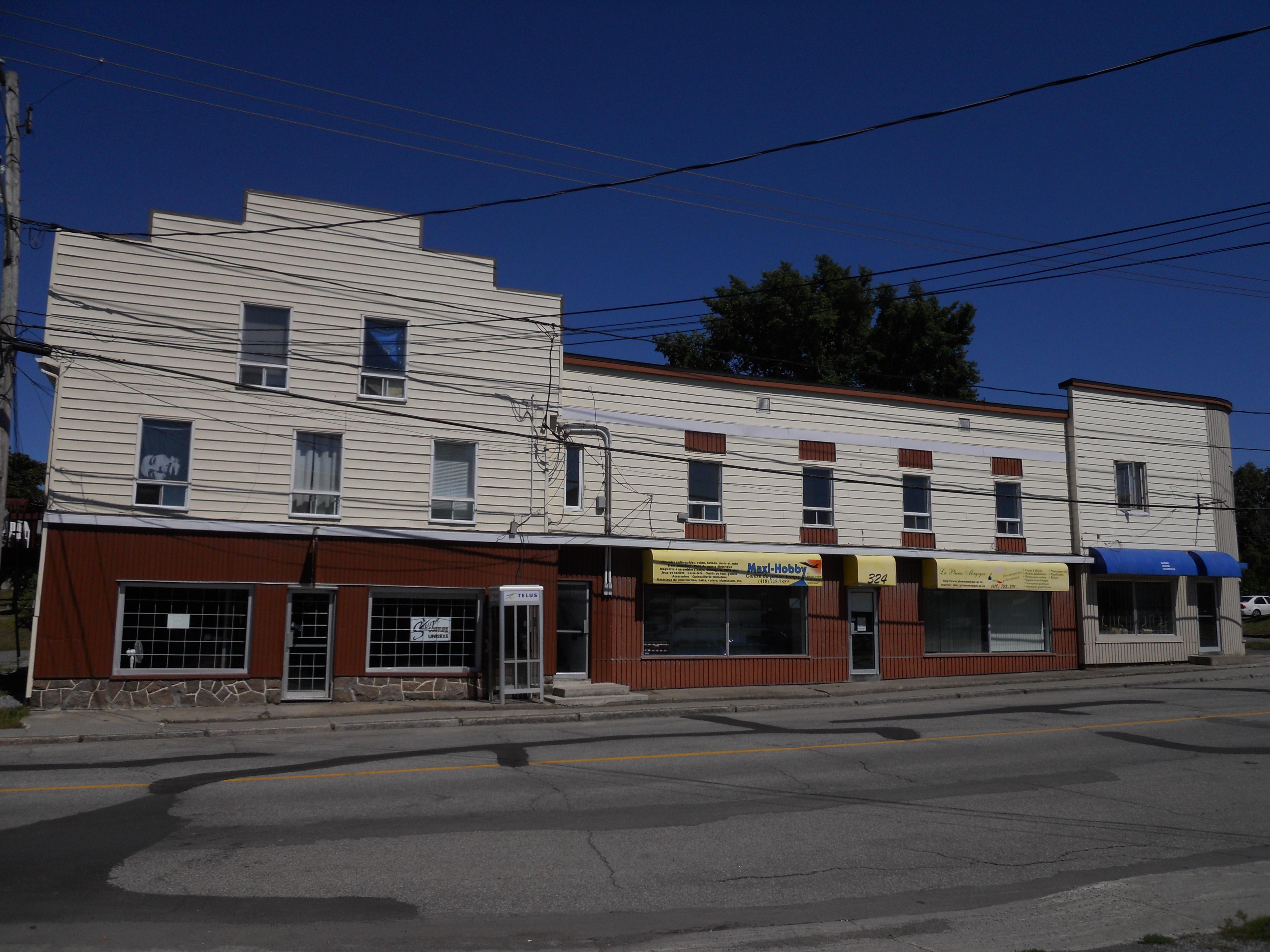 1199 - 320 et 322-326, avenue Rouleau