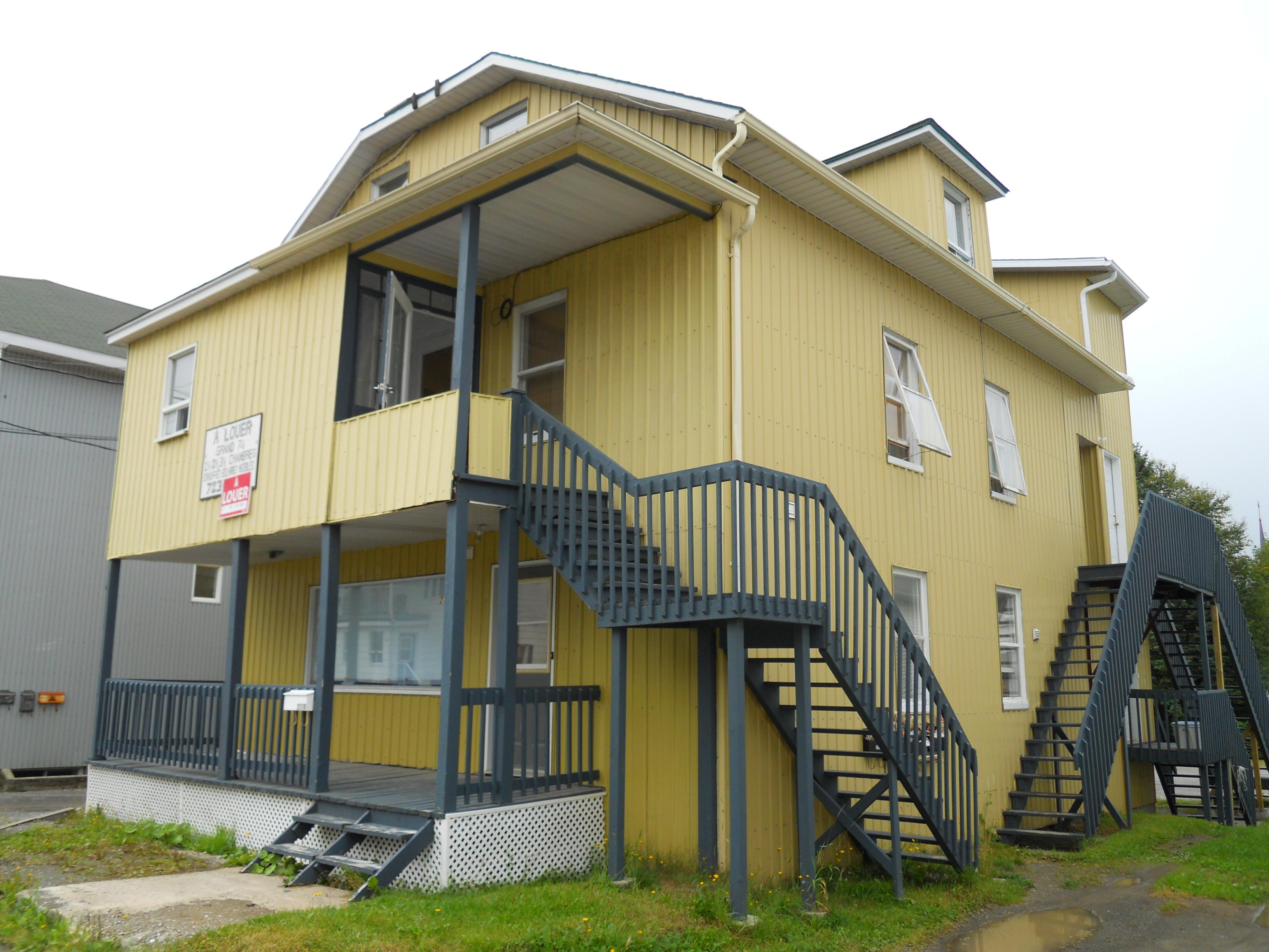 1216 - 277-279, avenue Rouleau