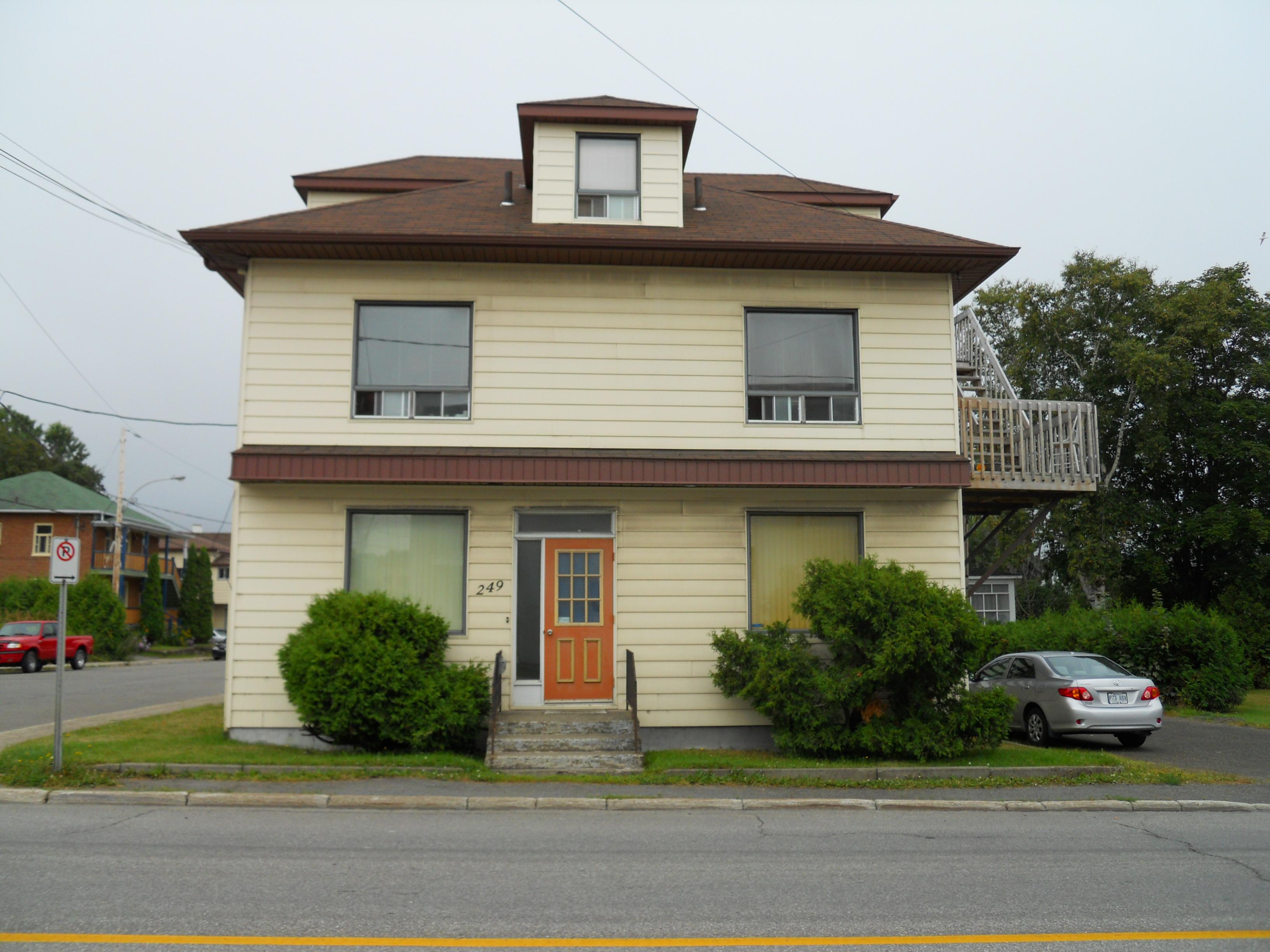 1220 - 249, avenue Rouleau