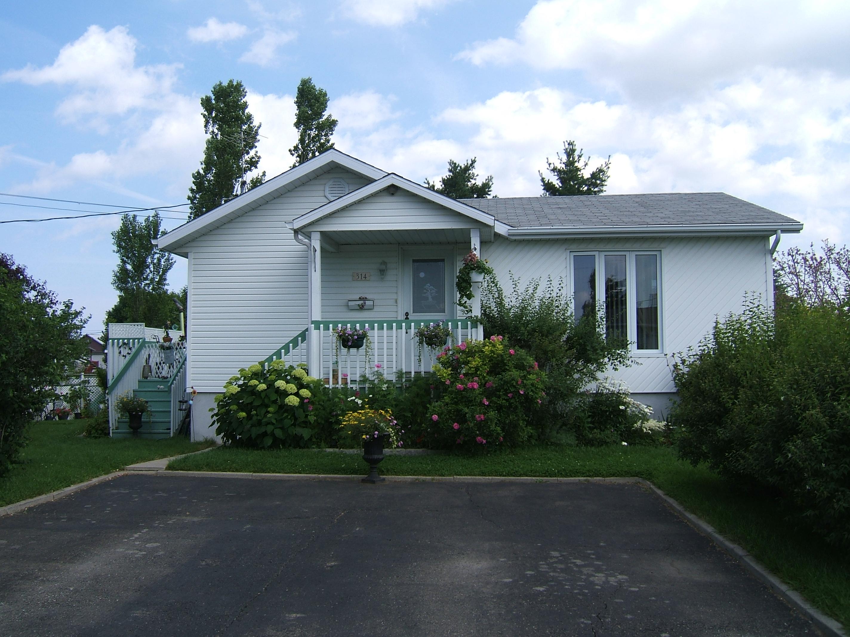 1588 - 314, avenue Ross