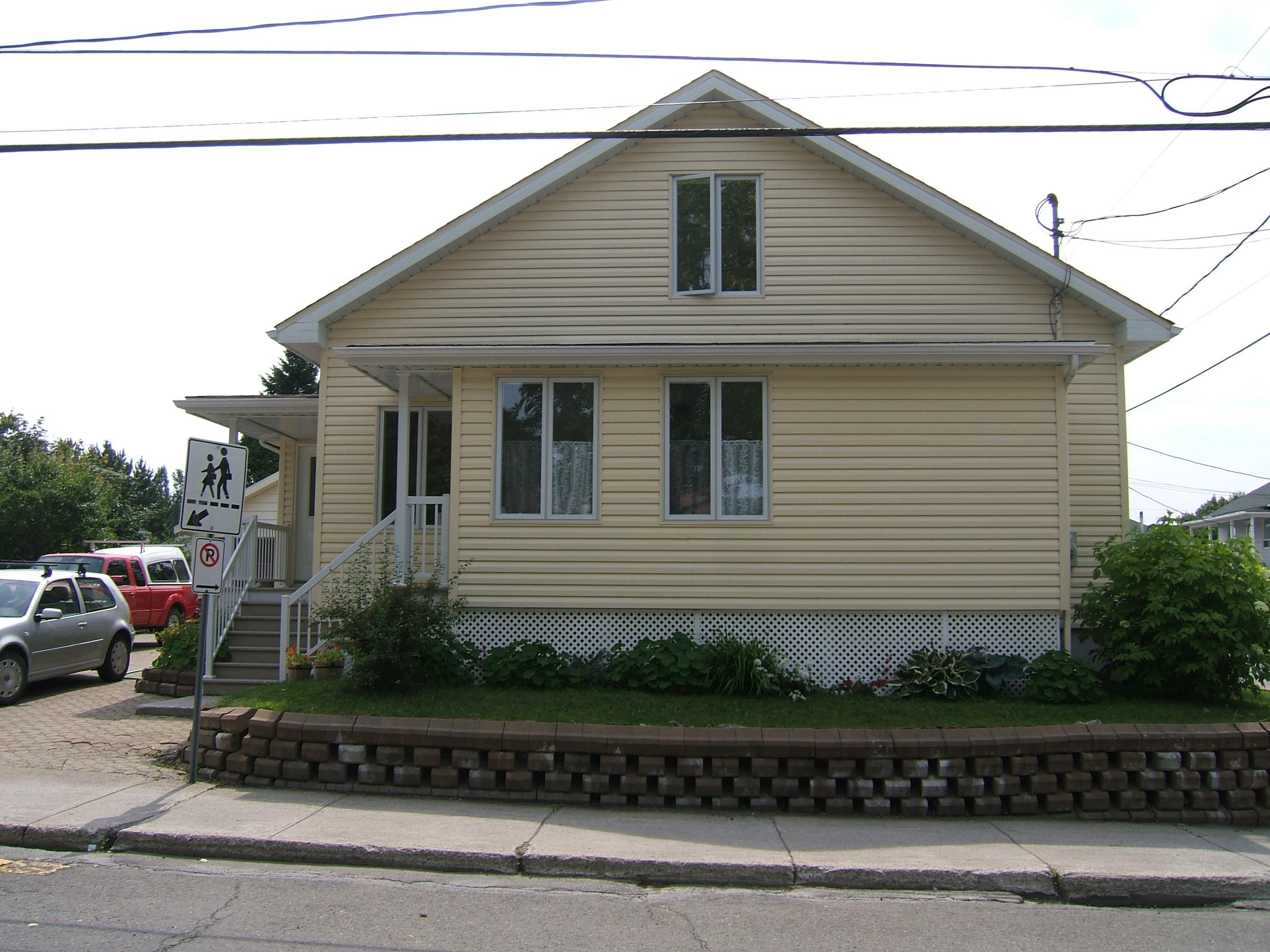 1594 - 305, avenue Sirois