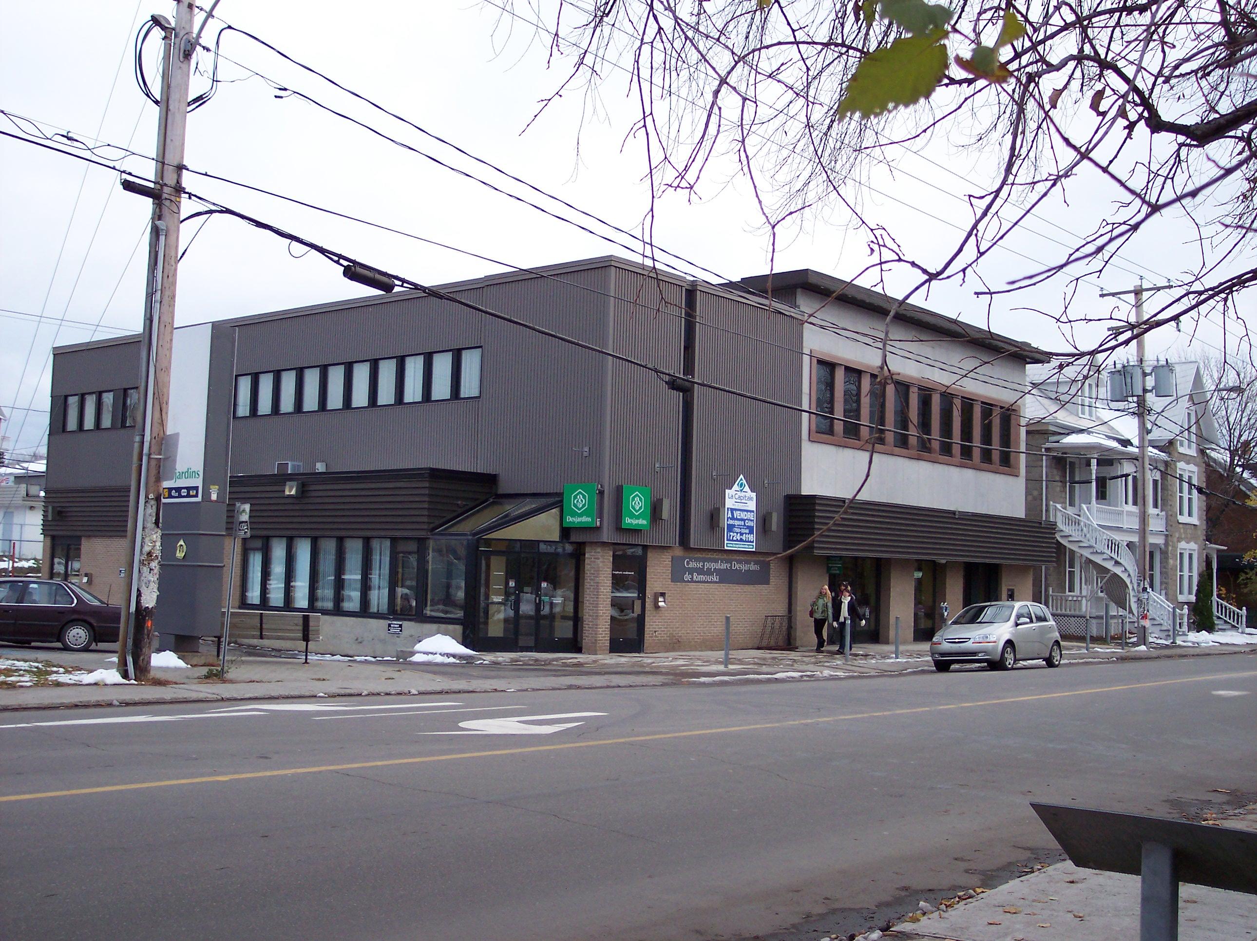 464 - 23, rue de l'Évêché Ouest