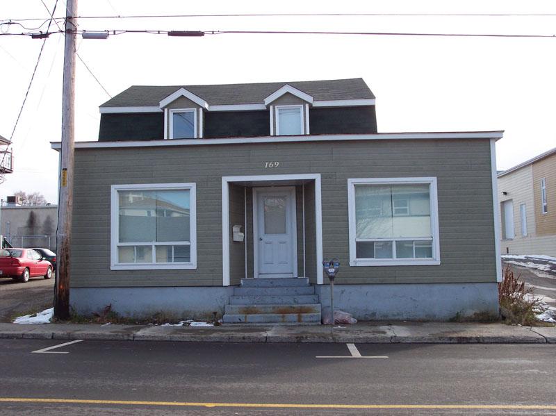 487 - 169, rue de l'Évêché Ouest