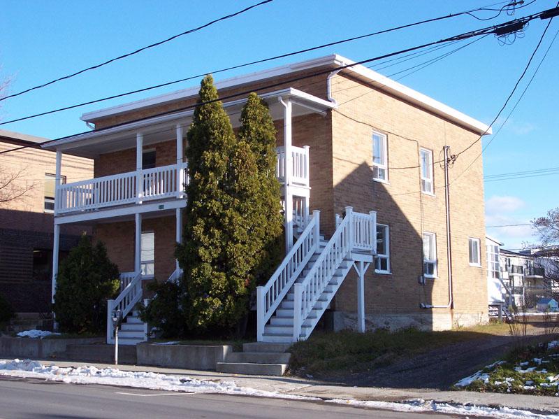 493 - 129-135, rue de l'Évêché Ouest