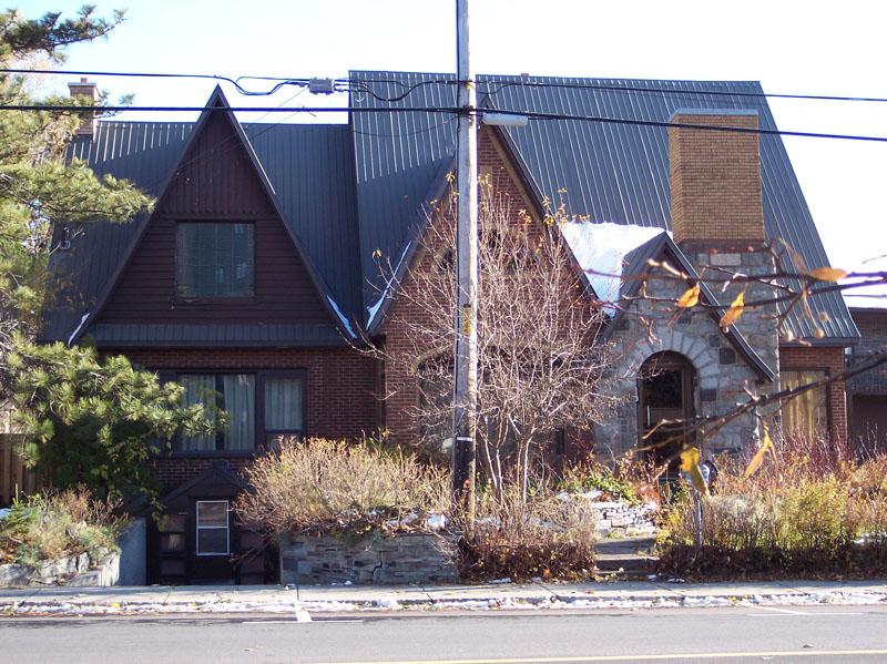496 - 113, rue de l'Évêché Ouest