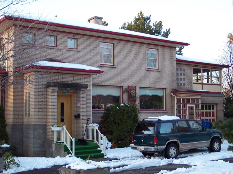 547 - 186, rue de l'Évêché Est