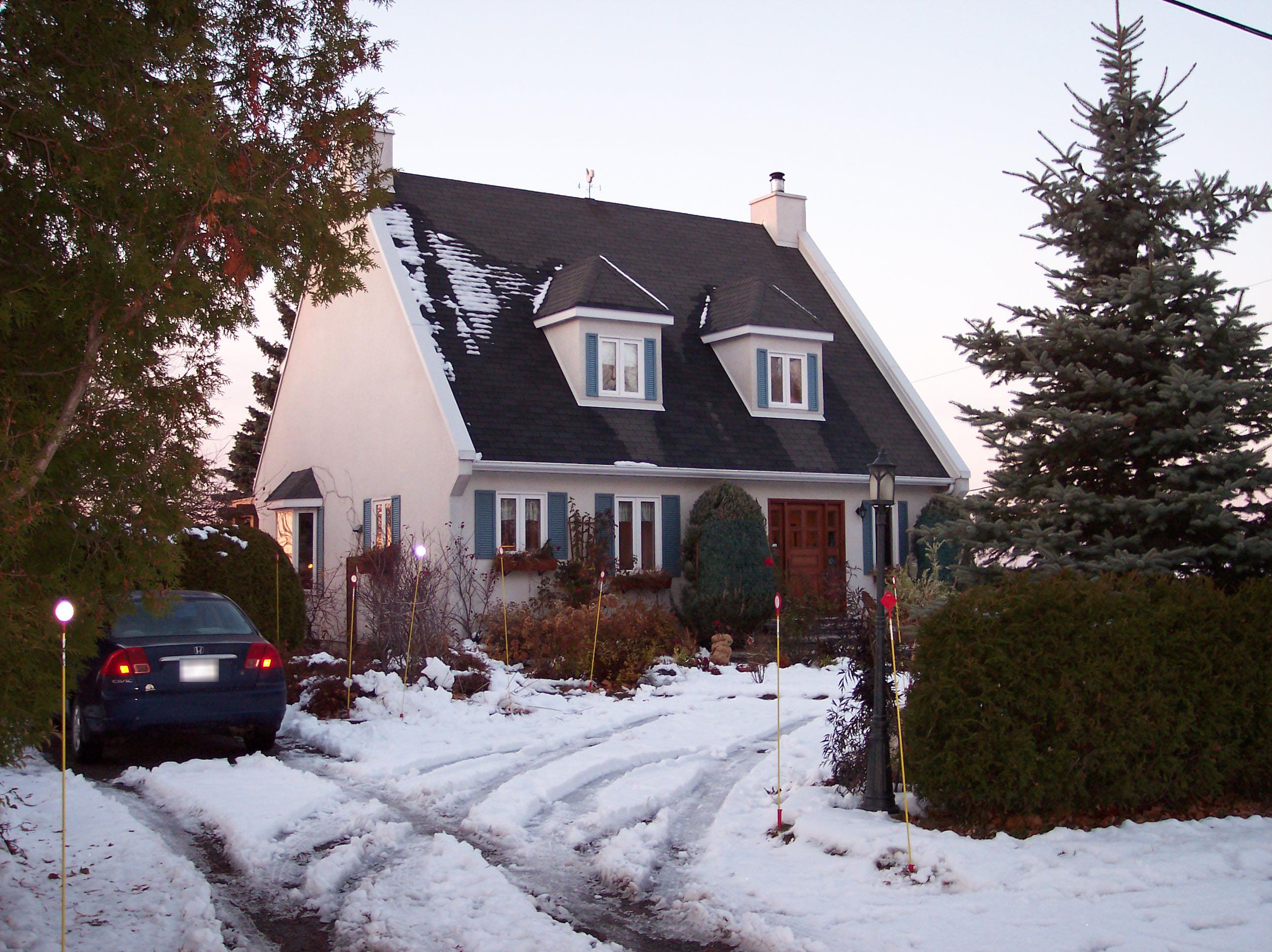 554 - 250, rue de l'Évêché Est